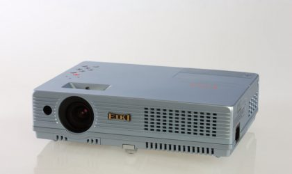 LC-XD25 LCD Projector