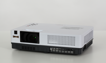 LC-XBL26W LCD Projector