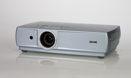 LC-XS25A LCD Projector